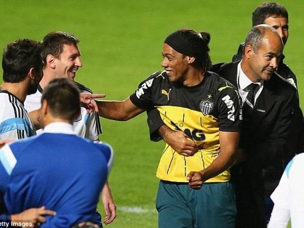 Đẳng cấp Ronaldinho-min