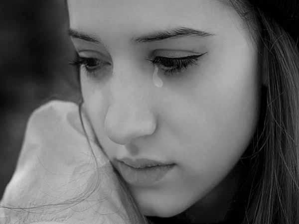 Chiêm bao thấy mình khóc đánh con gì