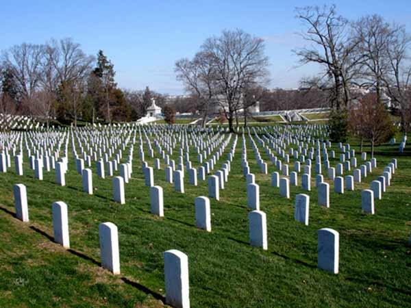 Nằm mơ thấy nghĩa địa là điềm báo lành hay dữ?