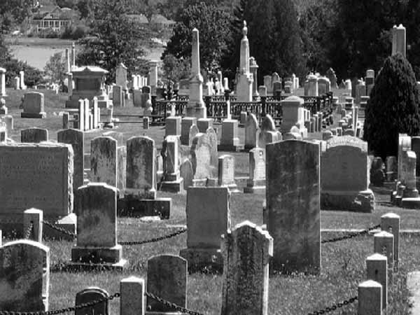 Mơ thấy nghĩa trang đánh con gì trúng lớn
