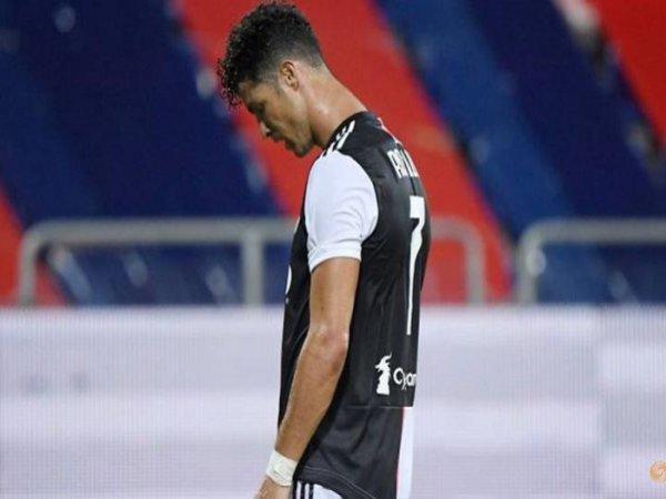 Ronaldo hụt hơi trong cuộc đua Chiếc giày vàng