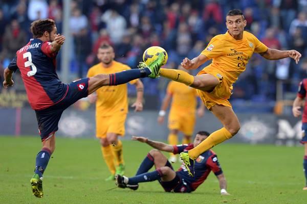 nhan-dinh-bong-da-Verona-vs-Genoa-01h45-ngay-20-10