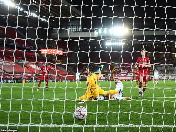 Bóng đá QT sáng 26/11: Liverpool thua sốc, Man City giành vé sớm