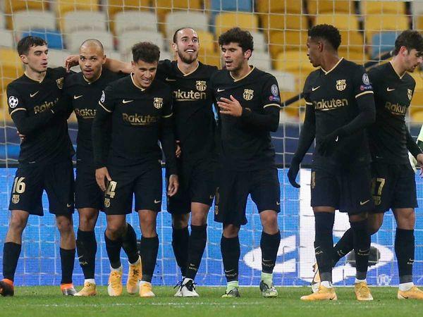 Bóng đá quốc tế sáng 25/11: Sergino Dest đi vào lịch sử Barcelona