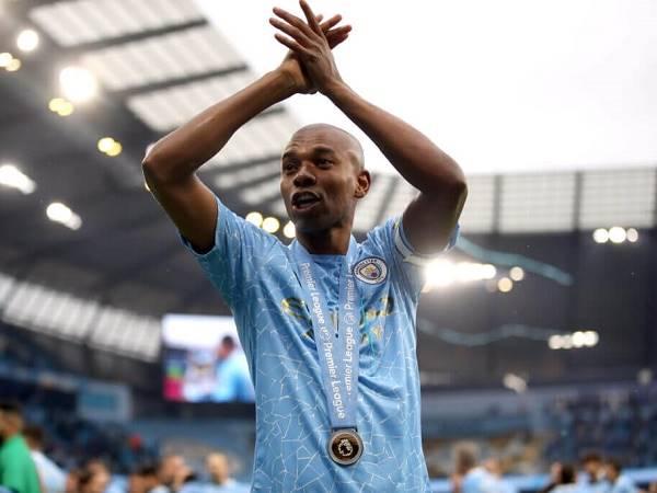 Chuyển nhượng bóng đá quốc tế 18/6: Man City gia hạn với Fernandinho
